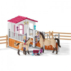 Sch Horse stall with Arab horses and grrom